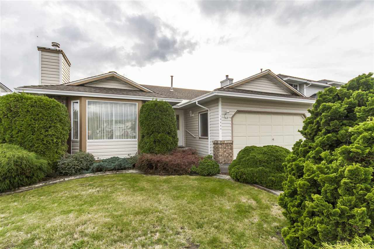 Main Photo: 19668 SOMERSET DRIVE in Pitt Meadows: Mid Meadows House for sale : MLS®# R2113978