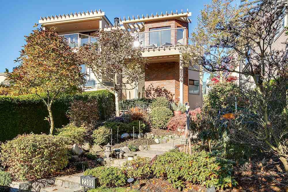 Main Photo: 2309 BELLEVUE AVENUE in : Dundarave House 1/2 Duplex for sale : MLS®# R2023795