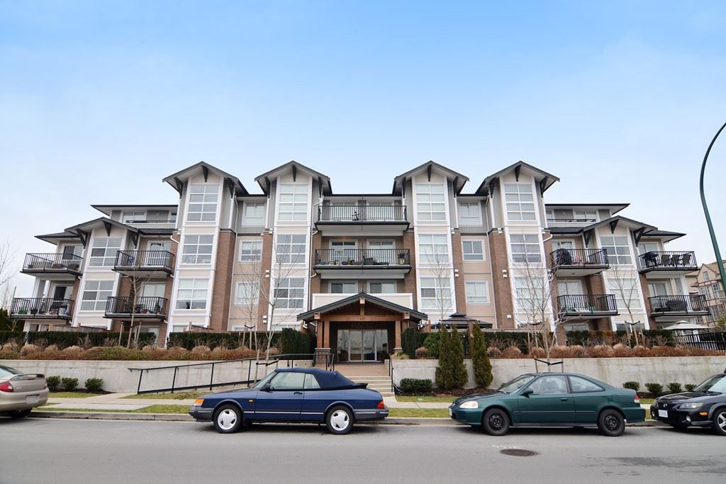 Main Photo: 303 827 RODERICK AVENUE in : Coquitlam West Condo for sale : MLS®# R2135406