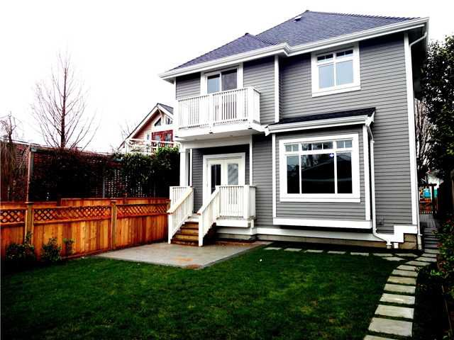 Main Photo: 1952 E 2ND Avenue in Vancouver: Grandview VE Condo for sale (Vancouver East)  : MLS®# V990432
