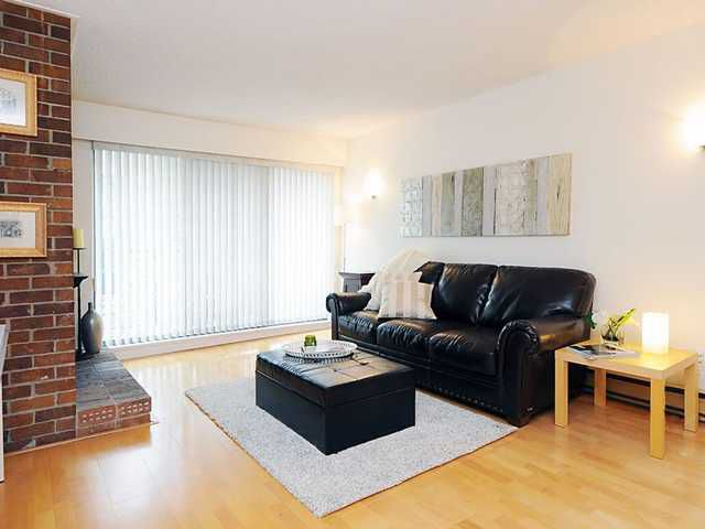 Main Photo: 2-Bedroom Condo For Sale in Downtown Vancouver!