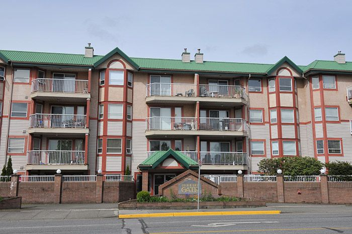 Main Photo: 221 22661 LOUGHEED HIGHWAY in Maple Ridge: East Central Condo for sale : MLS®# R2057447