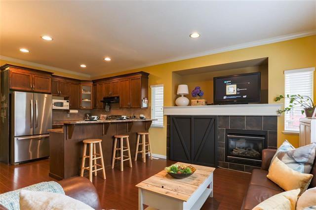 Photo 7: Photos: 16627 59A Avenue in Surrey: Cloverdale BC House for sale (Cloverdale)  : MLS®# R2287979