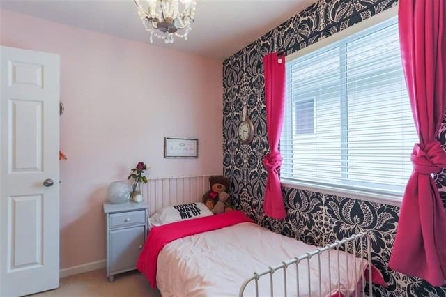 Photo 10: Photos: 16627 59A Avenue in Surrey: Cloverdale BC House for sale (Cloverdale)  : MLS®# R2287979