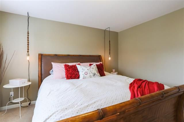 Photo 14: Photos: 16627 59A Avenue in Surrey: Cloverdale BC House for sale (Cloverdale)  : MLS®# R2287979