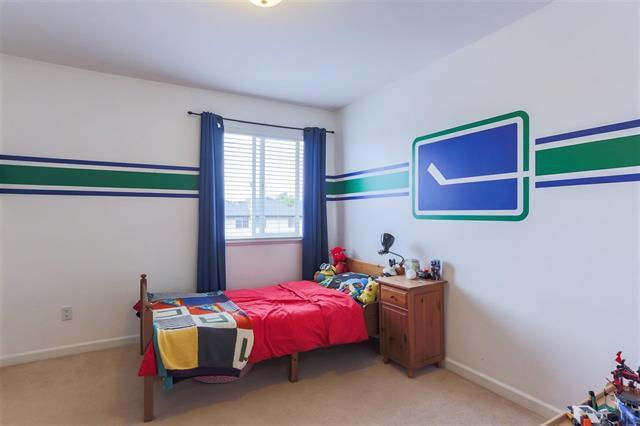 Photo 12: Photos: 16627 59A Avenue in Surrey: Cloverdale BC House for sale (Cloverdale)  : MLS®# R2287979