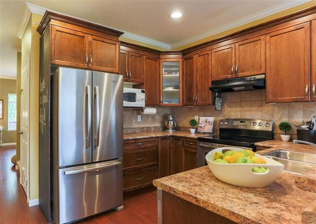 Photo 6: Photos: 16627 59A Avenue in Surrey: Cloverdale BC House for sale (Cloverdale)  : MLS®# R2287979