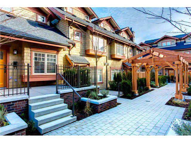Main Photo: 5946 Oak St. W. in Vancouver: Oakridge VW Townhouse for sale (Vancouver West)  : MLS®# V1000430