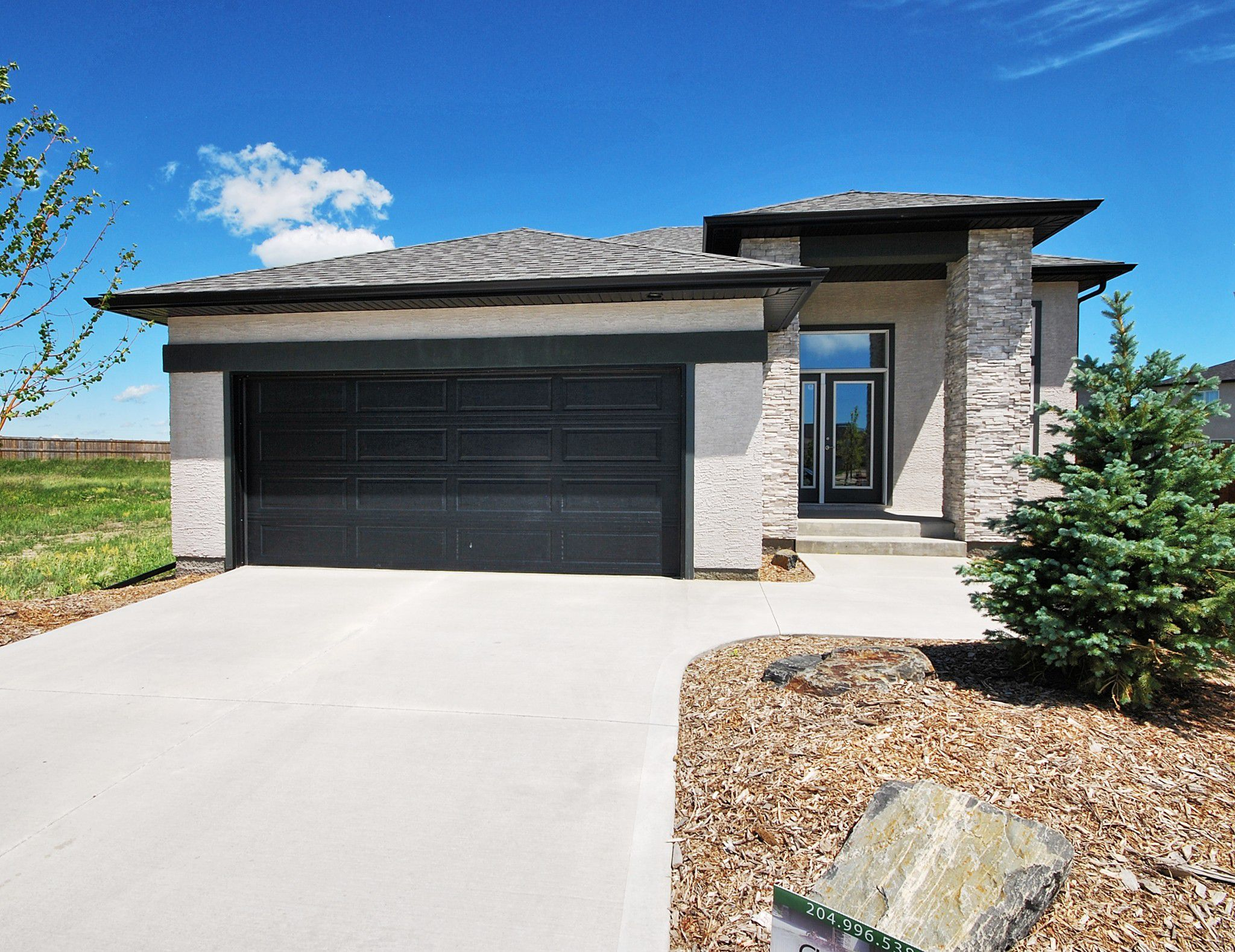 Main Photo: 29 Lakebourne Place in Winnipeg: Amber Trails Single Family Detached for sale (4F)