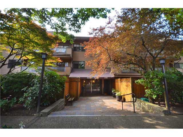 "Main Photo: 113 2190 W 7TH Avenue in Vancouver: Kitsilano Condo for sale in ""Sunset West"" (Vancouver West)  : MLS®# V1003084"