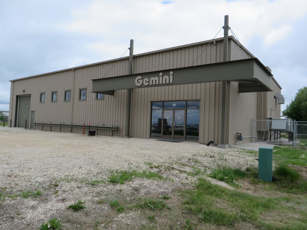 Main Photo: 151 Agri Park Road in Oak Bluff: Brunkild / La Salle / Oak Bluff / Sanford / Starbuck / Fannystelle Industrial / Commercial / Investment for sale or lease (South Winnipeg)