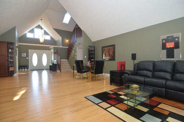 Photo 12: Photos: 2582 KINNOULL CRESCENT in MILL BAY: House for sale : MLS®# 380677
