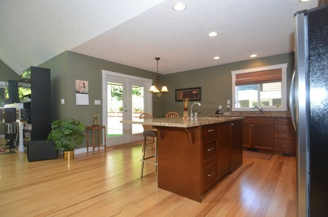 Photo 9: Photos: 2582 KINNOULL CRESCENT in MILL BAY: House for sale : MLS®# 380677