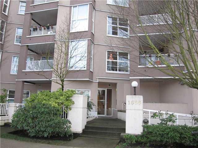 Main Photo: 102 1688 E 8TH Avenue in Vancouver: Grandview VE Condo for sale (Vancouver East)  : MLS®# V938122