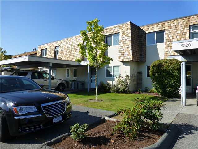 """Main Photo: 9340 RYAN Crescent in Richmond: South Arm Townhouse for sale in """"COUNTRY CLUB ESTATES"""" : MLS®# V972403"""