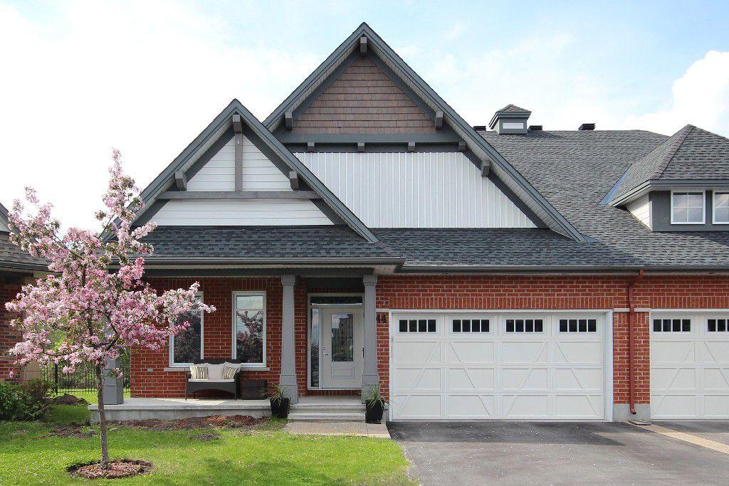 Main Photo: 144 Solera Circle in Ottawa: Hunt Club Park/Greenboro Residential for sale : MLS®# 912890