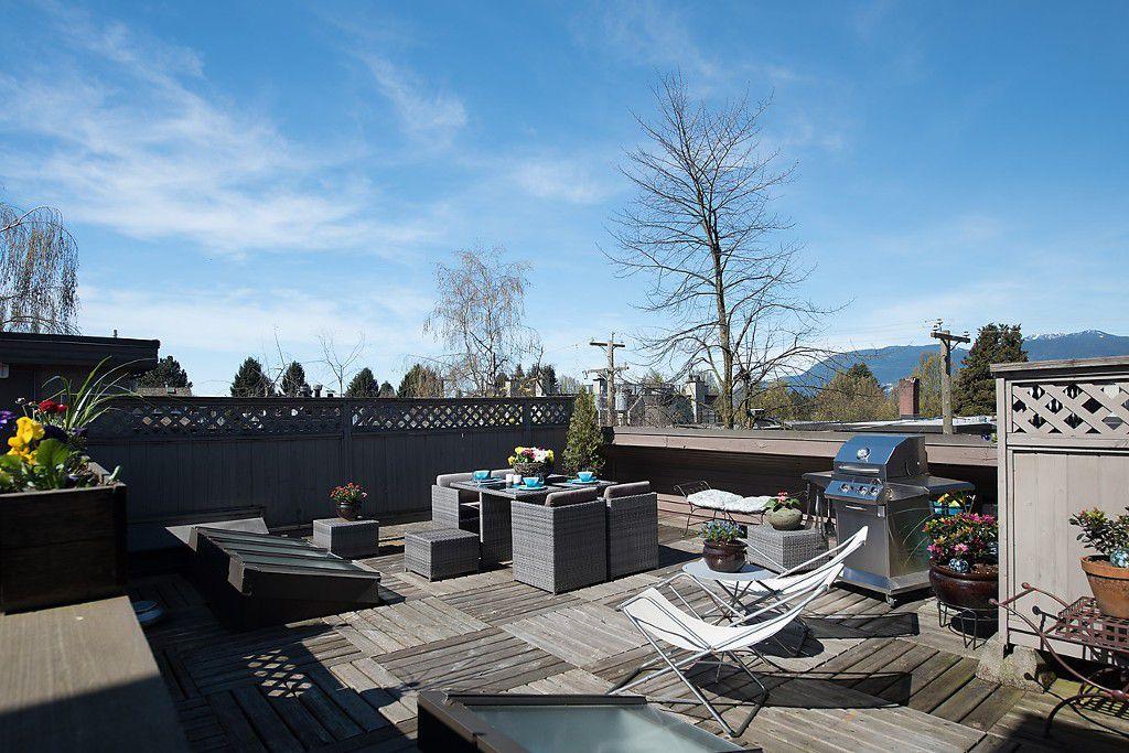 Main Photo: 304 1935 W 1st Avenue in Vancouver: Kitsilano Condo for sale (Vancouver West)  : MLS®# v2052562