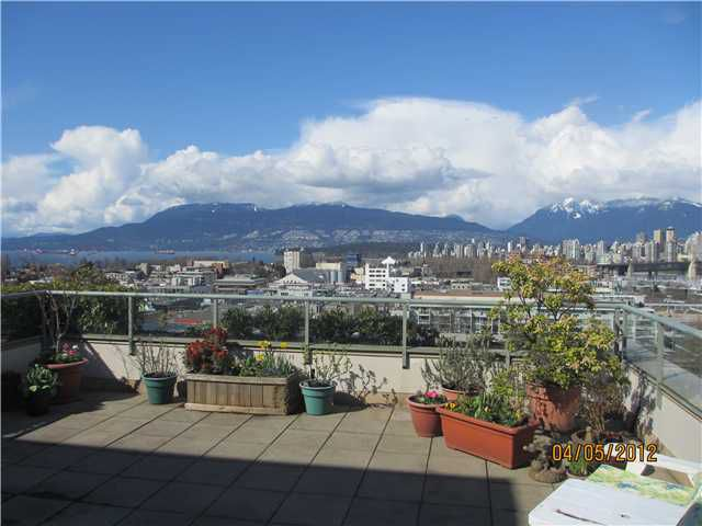 "Main Photo: 1002 2288 PINE Street in Vancouver: Fairview VW Condo for sale in ""THE FAIRVIEW"" (Vancouver West)  : MLS®# V943707"