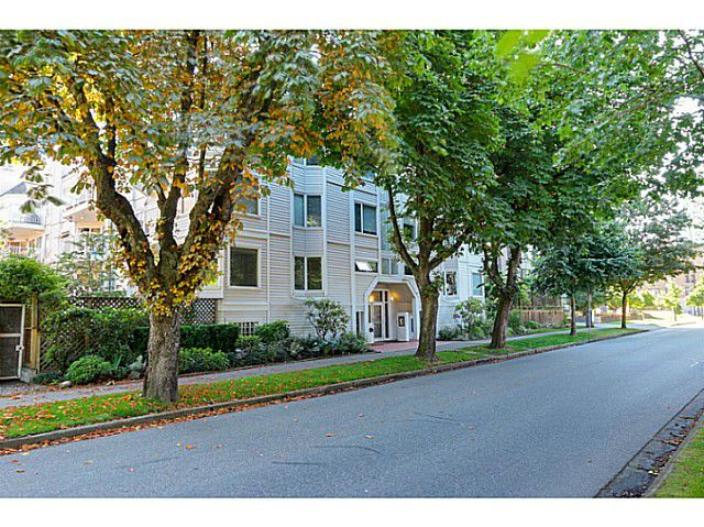 "Main Photo: 407 1147 NELSON Street in Vancouver: West End VW Condo for sale in ""The Somerset"" (Vancouver West)  : MLS®# V1074835"