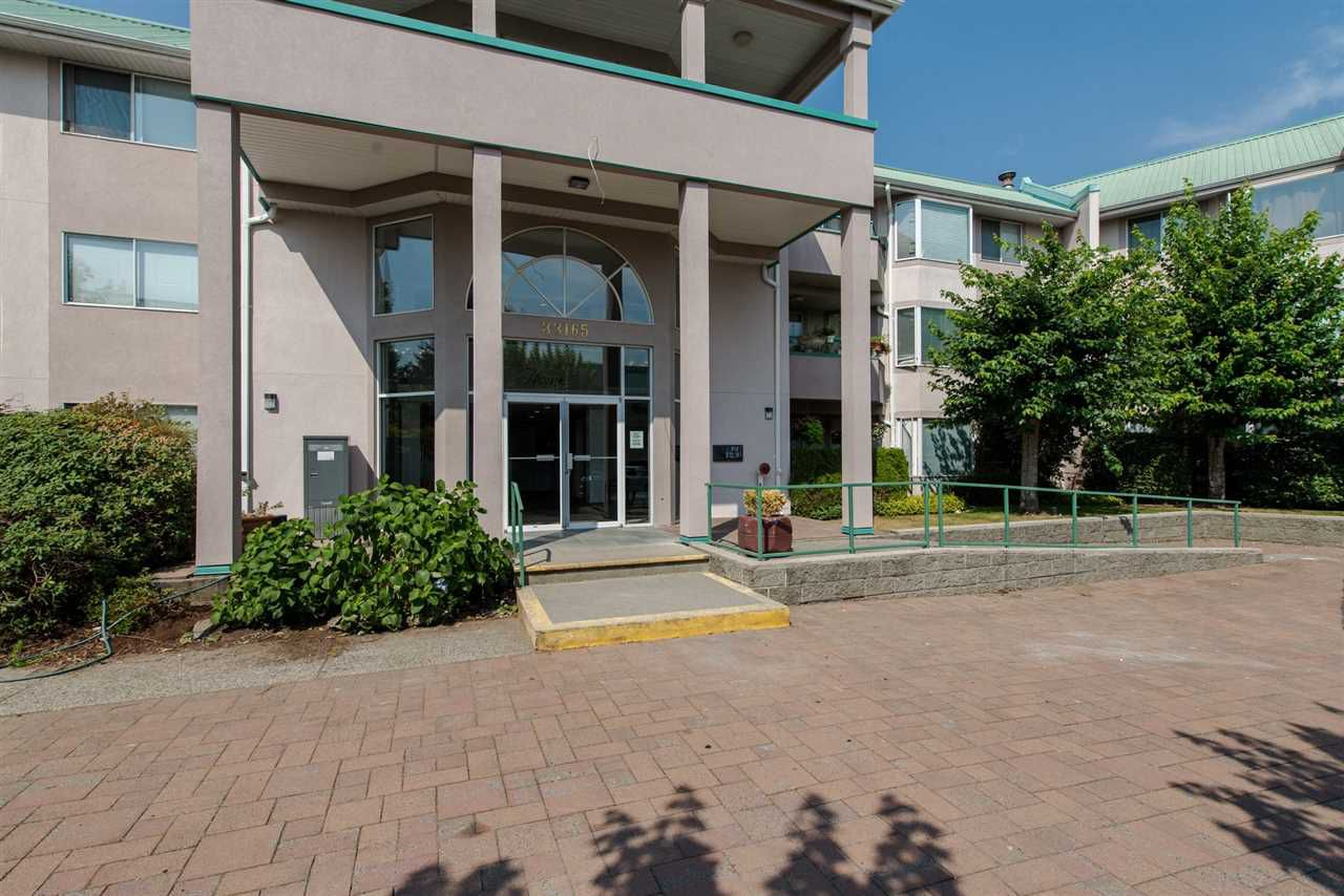 Main Photo: 106 33165 OLD YALE ROAD in Abbotsford: Central Abbotsford Condo for sale : MLS®# R2310888