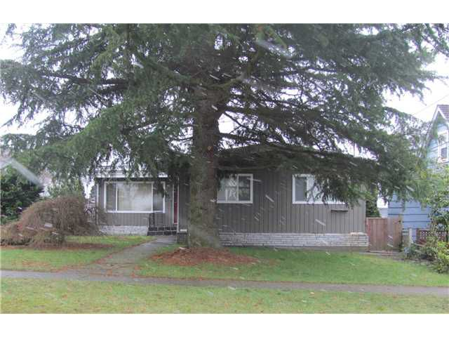 Main Photo: 1930 LONDON Street in New Westminster: West End NW House for sale : MLS®# V938670