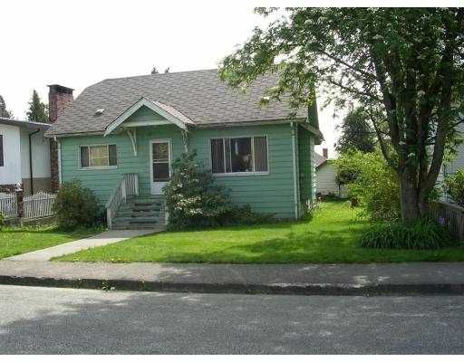Main Photo: 912 EDINBURGH ST in New Westminster: West End NW House for sale : MLS®# V539276