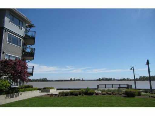 "Main Photo: 102 14200 RIVERPORT Way in Richmond: East Richmond Condo for sale in ""WATERSTONE PIER"" : MLS®# V1001716"