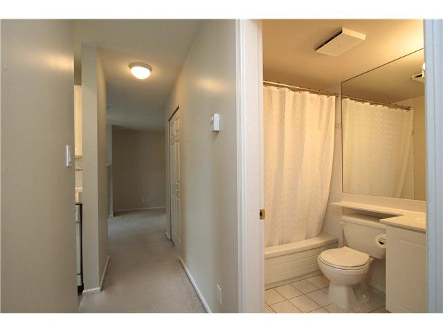 "Main Photo: # 307 511 W 7TH AV in Vancouver: Fairview VW Condo for sale in ""Beverly Gardens"" (Vancouver West)  : MLS®# V967522"