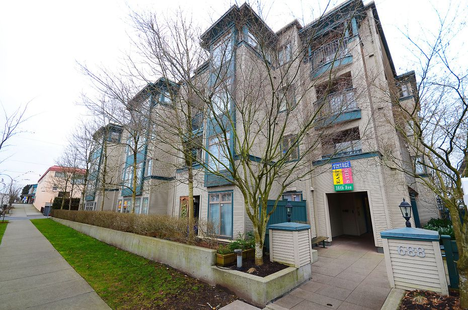 Main Photo: #411-688 East 16th Avenue in Vancouver: Fraser VE Condo for sale (Vancouver East)  : MLS®# V1043109