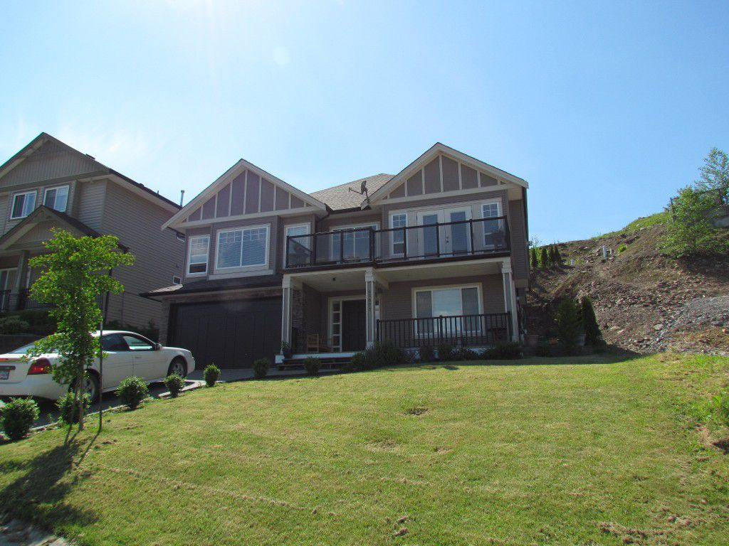 Main Photo: 45977 Weeden Drive in Chilliwack: House for rent