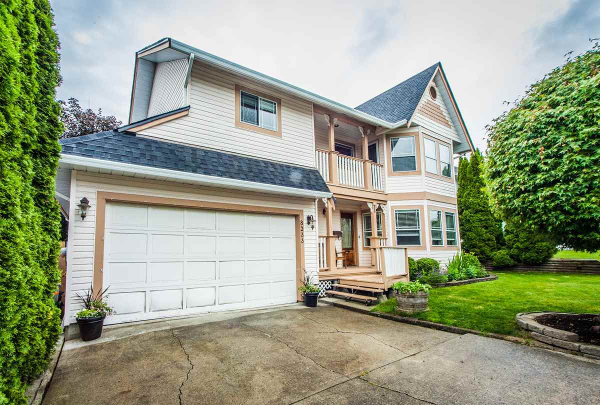 Main Photo: 8233 FUJINO STREET in Mission: Mission BC House for sale : MLS®# R2080943