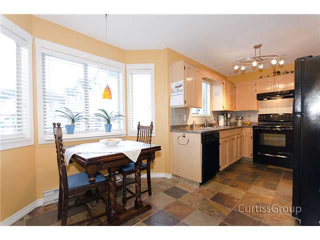 Main Photo: 2 2420 PITT RIVER Road in Port Coquitlam: Mary Hill Townhouse for sale : MLS®# V925341