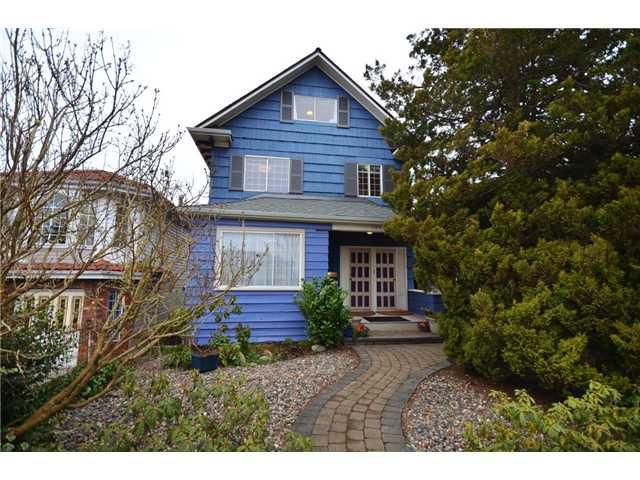 """Main Photo: 1375 E 14TH Avenue in Vancouver: Grandview VE House for sale in """"Grandview"""" (Vancouver East)  : MLS®# V933109"""