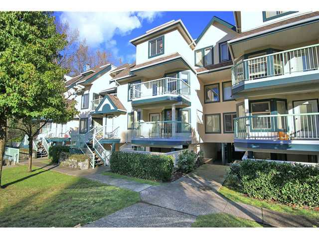 """Main Photo: 21 7520 18TH Street in Burnaby: Edmonds BE Townhouse for sale in """"WESTMOUNT PARK"""" (Burnaby East)  : MLS®# V956781"""