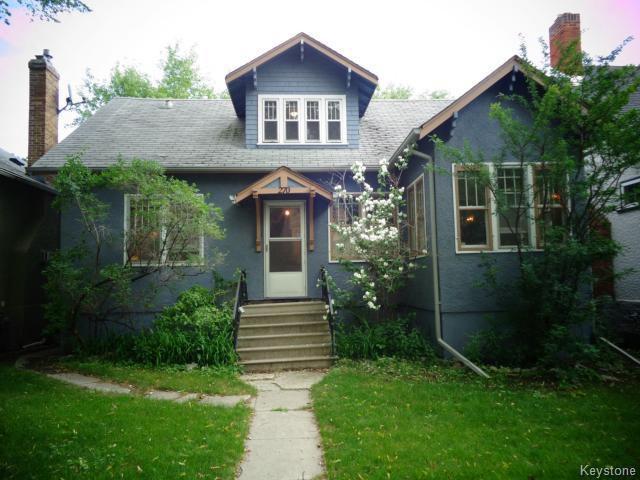 Main Photo: 270 Oak Street in WINNIPEG: River Heights / Tuxedo / Linden Woods Residential for sale (South Winnipeg)  : MLS®# 1416999