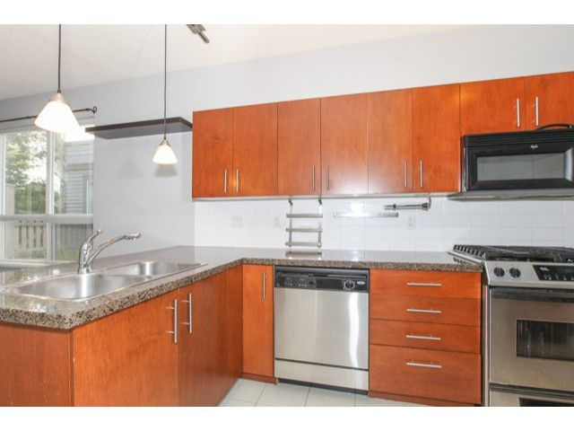 Photo 11: Photos: # 37 15353 100TH AV in Surrey: Guildford Condo for sale (North Surrey)  : MLS®# F1439830