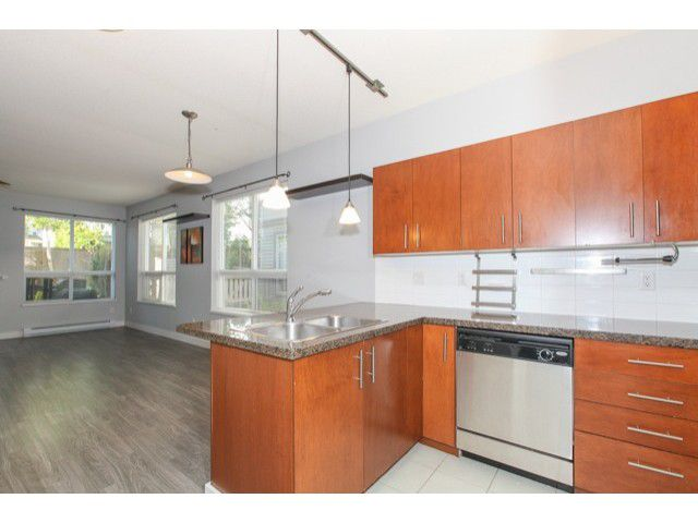 Photo 12: Photos: # 37 15353 100TH AV in Surrey: Guildford Condo for sale (North Surrey)  : MLS®# F1439830