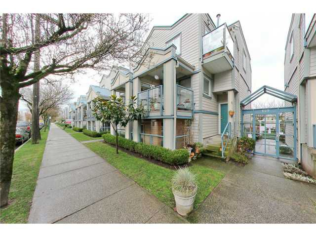 """Main Photo: 105 629 W 7TH Avenue in Vancouver: Fairview VW Condo for sale in """"COURTYARDS"""" (Vancouver West)  : MLS®# V938316"""