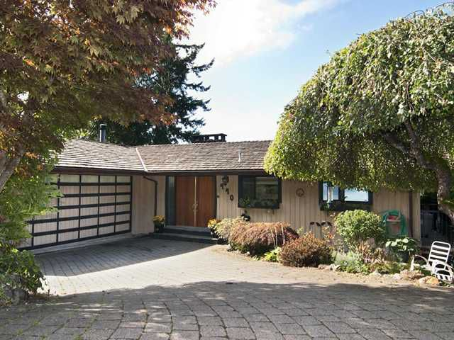 """Main Photo: 440 TIMBERTOP Drive: Lions Bay House for sale in """"LIONS BAY"""" (West Vancouver)  : MLS®# V939444"""