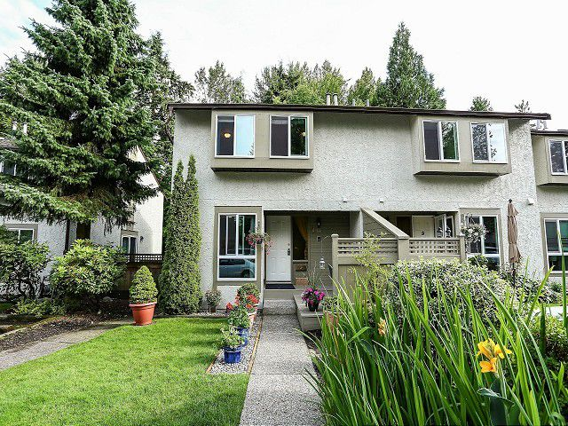 """Main Photo: 30 3190 TAHSIS Avenue in Coquitlam: New Horizons Townhouse for sale in """"NEW HORIZONS ESTATE"""" : MLS®# V1014471"""