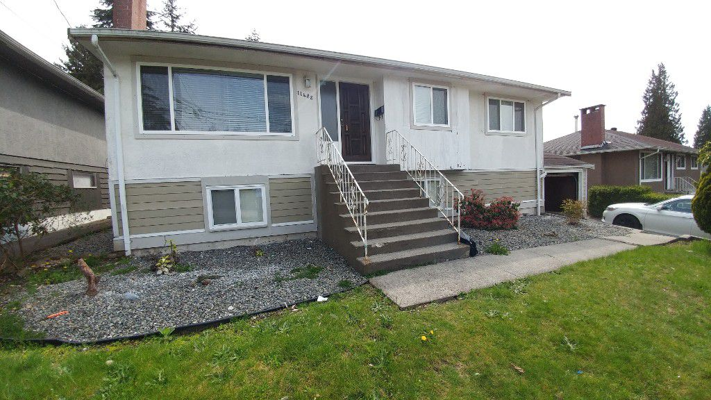 Main Photo: 11482 97A Avenue in Surrey: Whalley House for rent