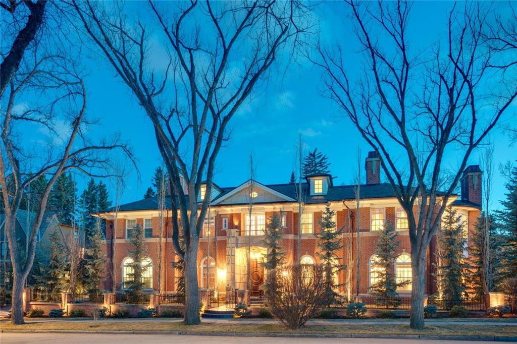 Main Photo: 1339 FRONTENAC AV SW in Calgary: Upper Mount Royal House for sale : MLS®# C4241465