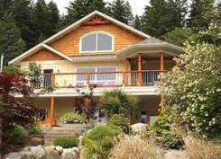 Main Photo: 450 CENTRAL Avenue in Gibsons: House for sale : MLS®# R2083036
