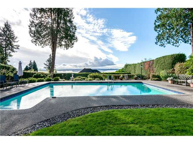 Main Photo: 3250 Westmount Rd in West Vancouver: Westmount WV House for sale : MLS®# V1091500
