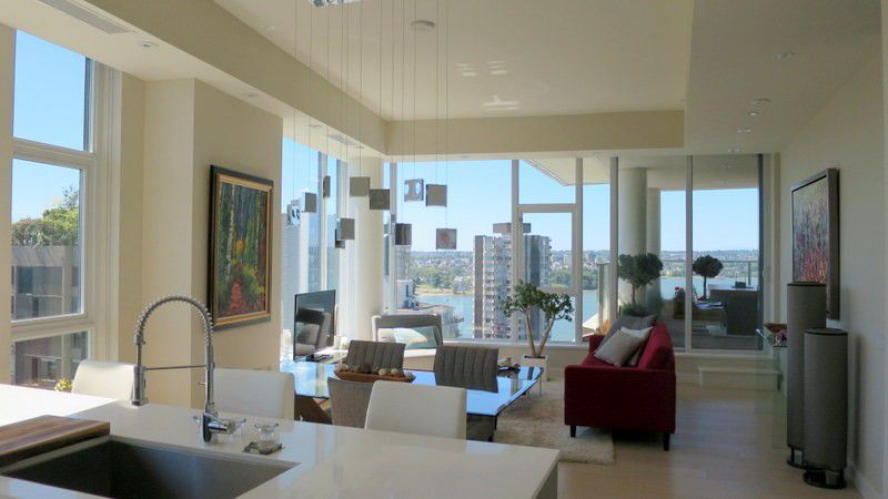 Main Photo: # 1703 1221 BIDWELL ST in Vancouver: West End VW Condo for sale (Vancouver West)  : MLS®# V1128254