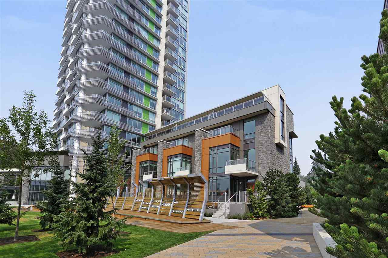Main Photo: 405 680 SEYLYNN CRESCENT in North Vancouver: Lynnmour Condo for sale : MLS®# R2305800