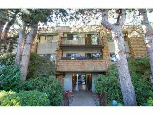 """Main Photo: 101 1721 ST GEORGES Avenue in North Vancouver: Central Lonsdale Condo for sale in """"CEDAR HILLS"""" : MLS®# V939237"""
