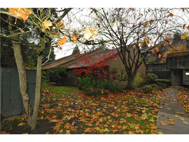 Main Photo: 4304 GARDEN GROVE DR in Burnaby: Greentree Village Condo for sale (Burnaby South)  : MLS®# V1036062