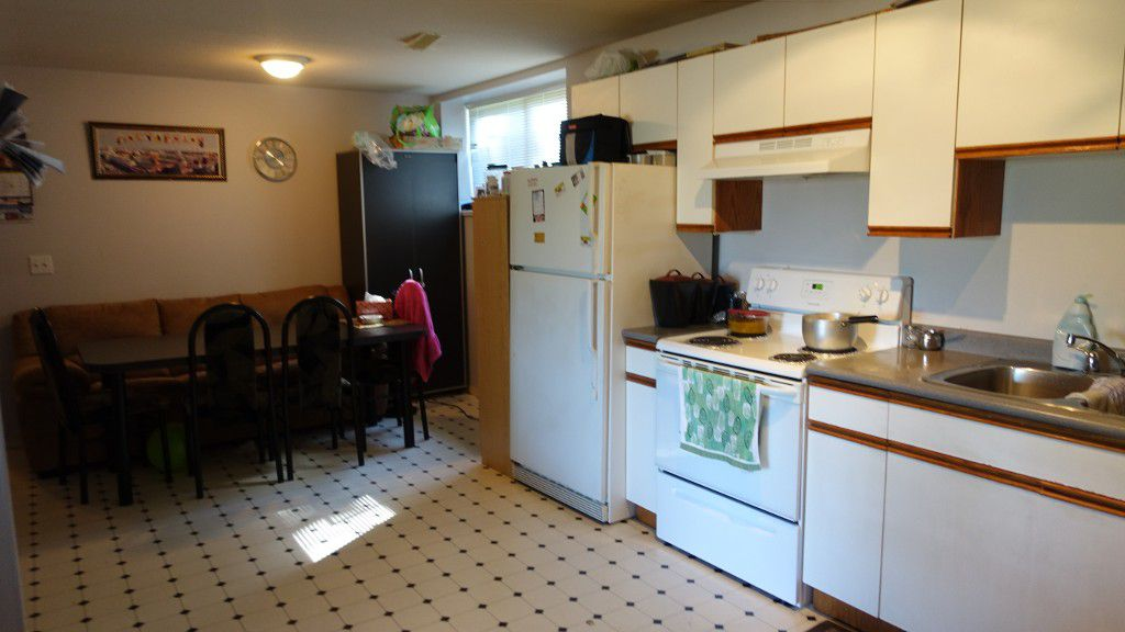 Main Photo: 2387 Broadway Street in Abbotsford: Central Abbotsford House for rent