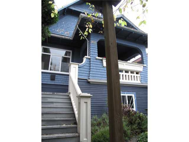 """Main Photo: 407 E KING EDWARD Avenue in Vancouver: Fraser VE House for sale in """"Main St"""" (Vancouver East)  : MLS®# V978862"""